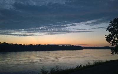 400x250 Augusta Missouri River